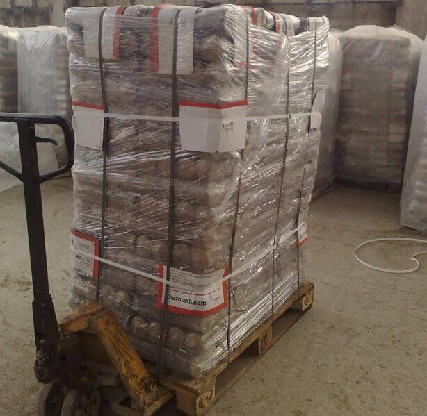 Брикет топливный Nestro в упаковке из термоусадочной пленки на поддонах